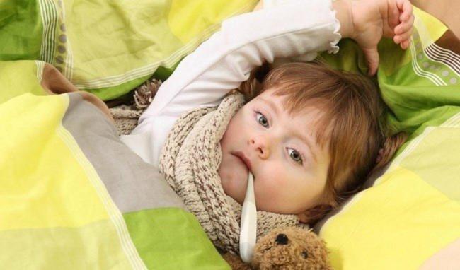 Cảm cúm nếu không được điều trị kịp thời sẽ biến chứng thành viêm tai giữa vô cùng nguy hiểm