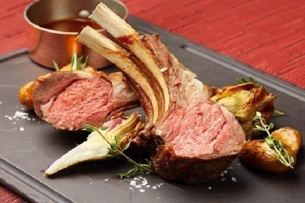 Thịt cừu giúp bổ sung kẽm và protein cho cơ thể.
