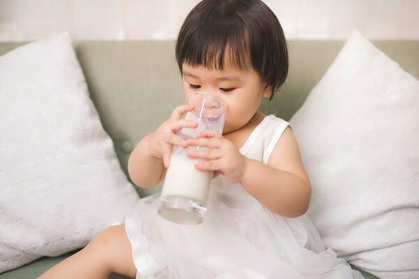 Trẻ thừa vitamin d có ảnh hưởng nhiều đến sức khỏe