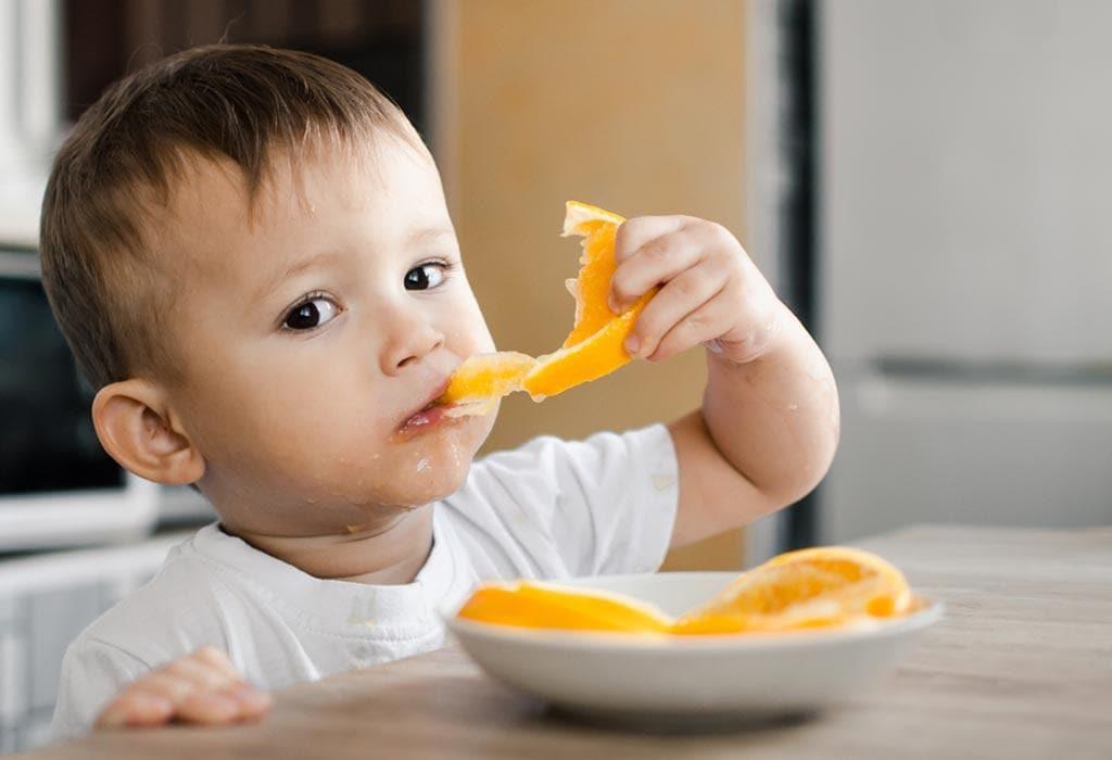 Vitamin C có nhiều vai trò quan trọng với sức khỏe trẻ em