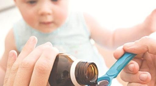 Cho trẻ uống vitamin C đúng liều để phòng tránh ngộ độc