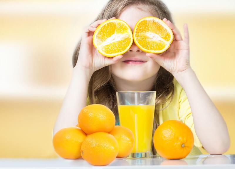 Trẻ cần vitamin C để phát triển khỏe mạnh
