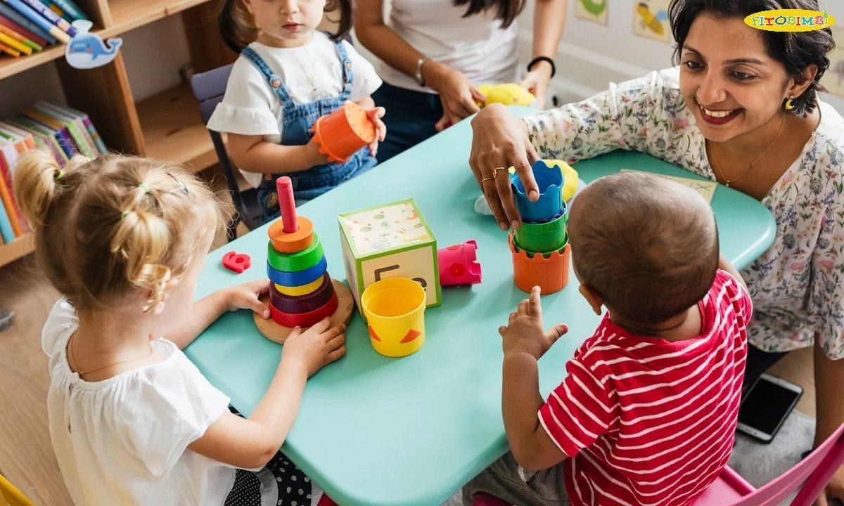 Chơi với trẻ là cách dạy giao tiếp tuyệt vời