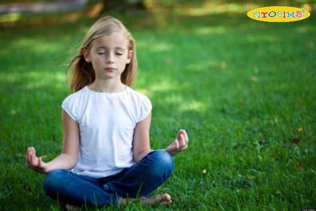 Dạy hít thở sâu/yoga/thiền cho bé