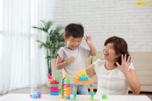 Tăng cường giao tiếp với trẻ nhiều hơn