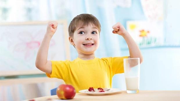 Bổ sung đầy đủ vitamin giúp trẻ khỏe mạnh và cao lớn hơn