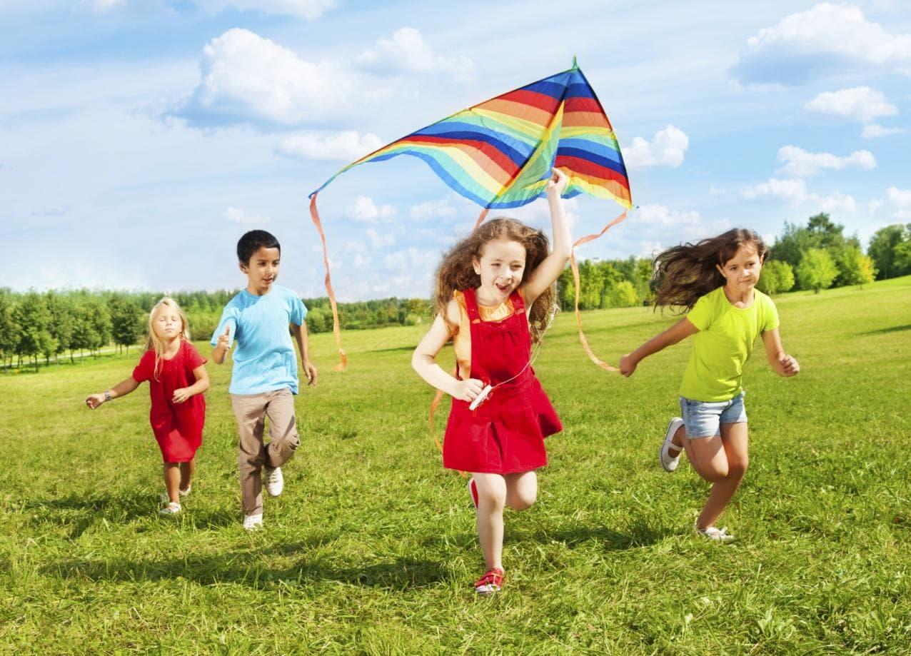 Bổ sung đầy đủ vitamin và khoáng chất giúp trẻ phát triển khỏe mạnh và toàn diện