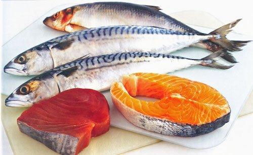 Cá hồi và cá mòi chứa nhiều canxi, omega-3 và rất ít thủy ngân