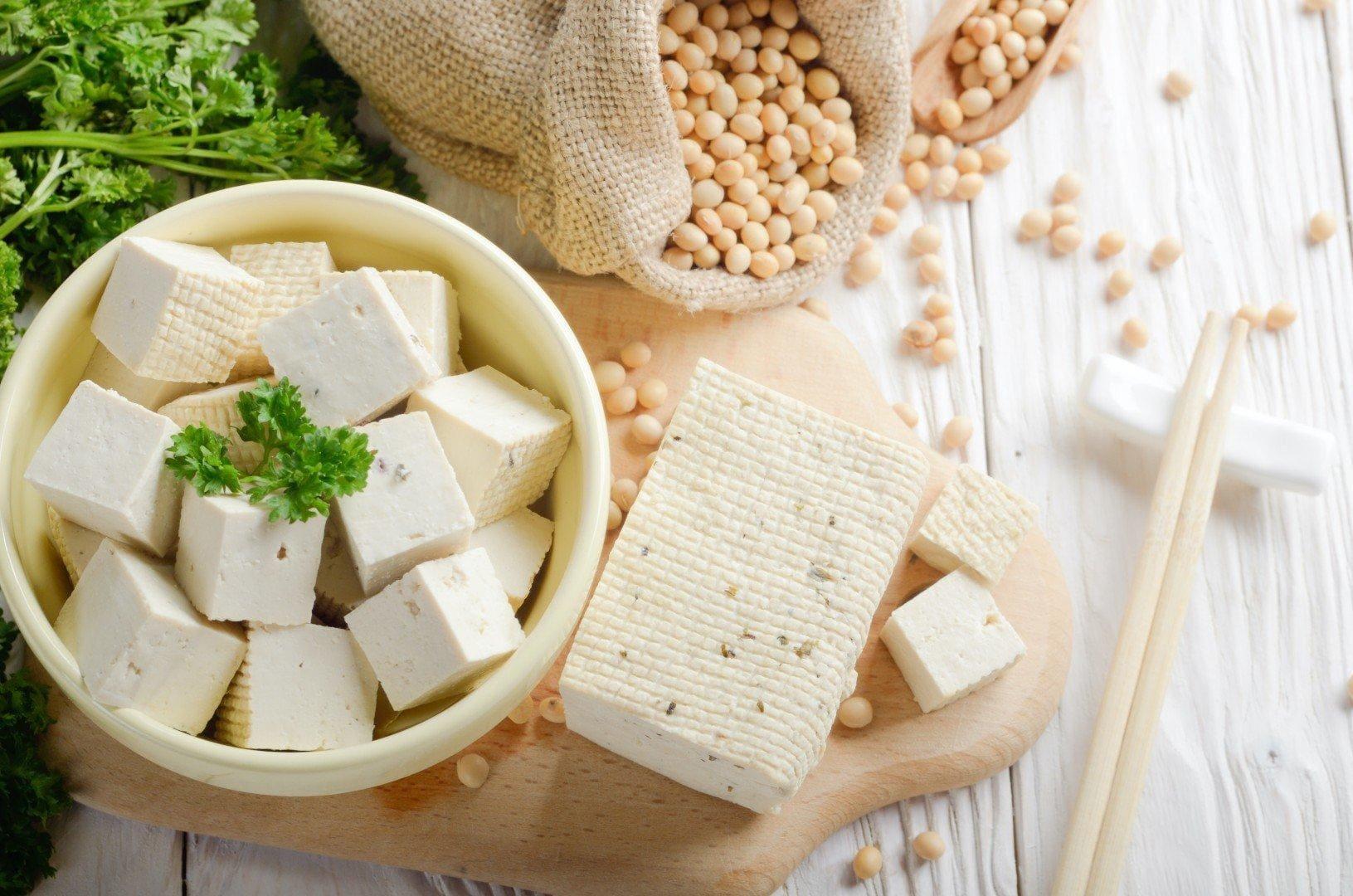 Đậu phụ là món ăn bổ sung canxi phù hợp cho mọi lứa tuổi
