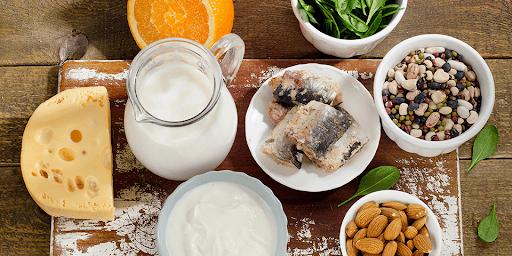Những thực phẩm giàu canxi và vitamin D nên bổ sung cho trẻ bị thiếu canxi