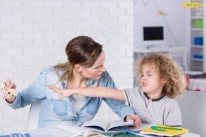 Giúp mẹ phân biệt trẻ hiếu động và trẻ tăng động