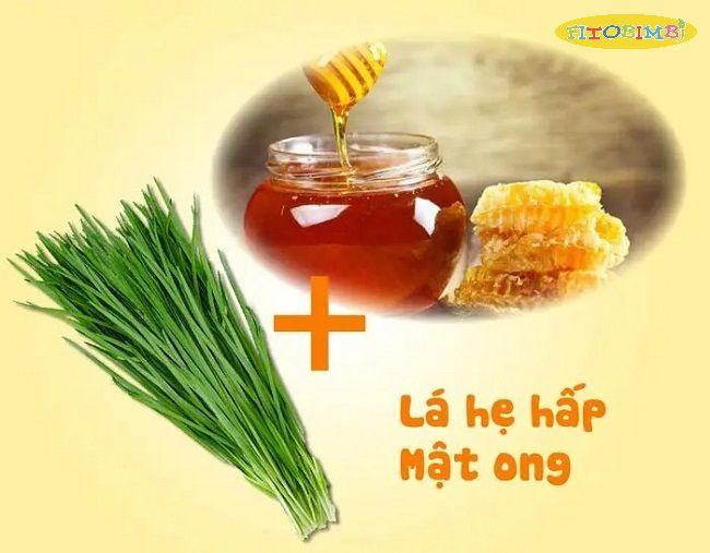 Lá hẹ chưng mật ong trị ho cho bé hiệu quả