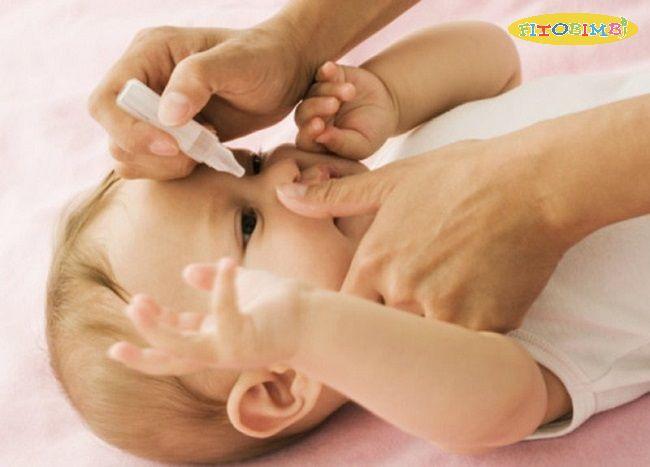 Thuốc nhỏ mắt cho bé bị viêm mũi dị ứng