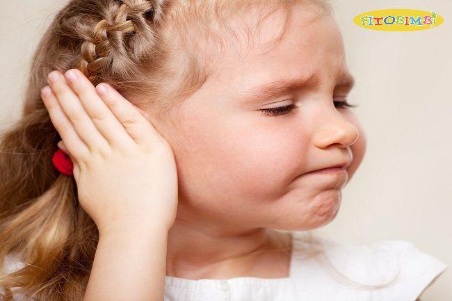 Trẻ bị viêm tai giữa có nguy hiểm không?