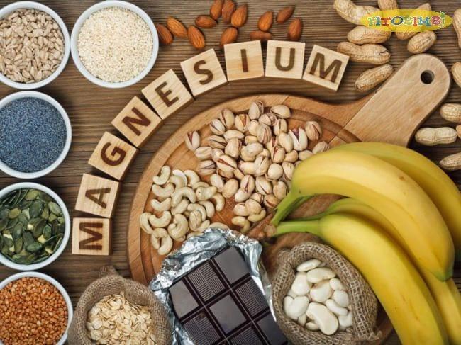 Trẻ bị viêm tai giữa nên ăn các loại thực phẩm giàu magie như quả hạnh, chuối, lạc,...