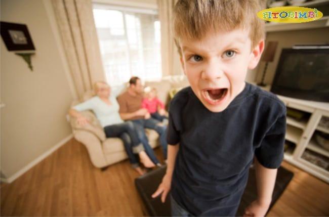 Trẻ nghịch ngợm quá mức có thể là biểu hiện của tăng động giảm chú ý