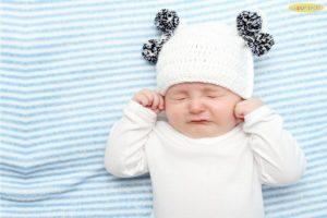 """7 cách chữa sổ mũi cho trẻ sơ sinh """"NÓI KHÔNG"""" với thuốc kháng sinh"""