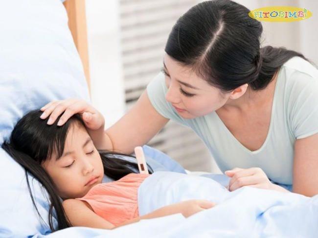 Chăm sóc trẻ bị viêm họng sốt