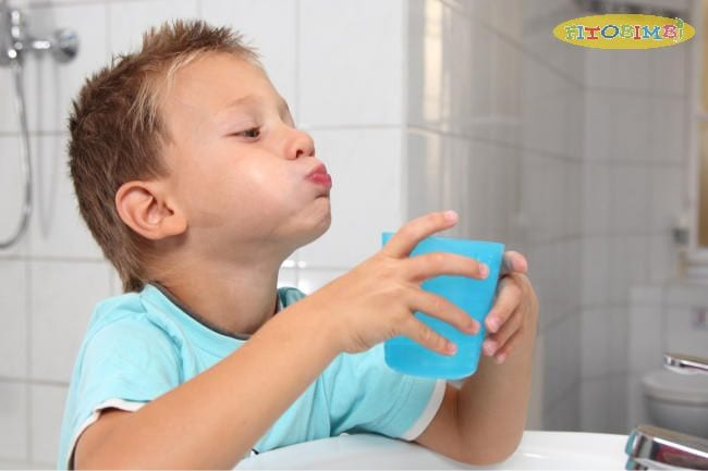 Nước muối loãng có tác dụng sát khuẩn, giảm ho