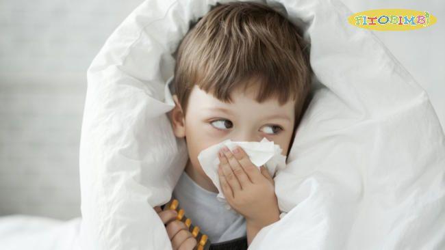 Trẻ bị ho khan là do bị cảm lạnh hoặc cảm cúm