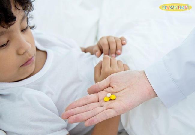 Trẻ bị viêm amidan uống thuốc gì