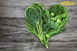 Trẻ bị viêm phổi nên bổ sung thêm các loại rau xanh lá