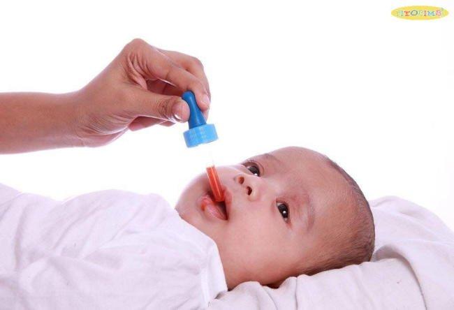 Tuyệt đối không tự ý cho trẻ em uống thuốc kháng sinh