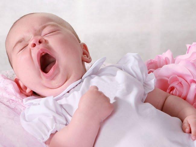 Mệt mỏi là dấu hiệu trẻ thiếu máu đầu tiên mẹ không được bỏ qua