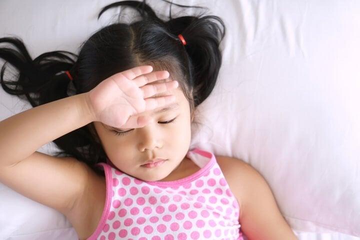 Trẻ thiếu máu có thể bị đau đầu