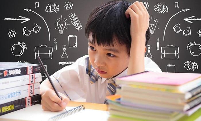 Trẻ bị bướu cổ thường có trí nhớ giảm sút, hiệu quả học tập kém
