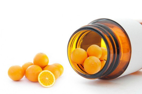 Bổ sung viên uống vitamin C hằng ngày là việc làm cần thiết