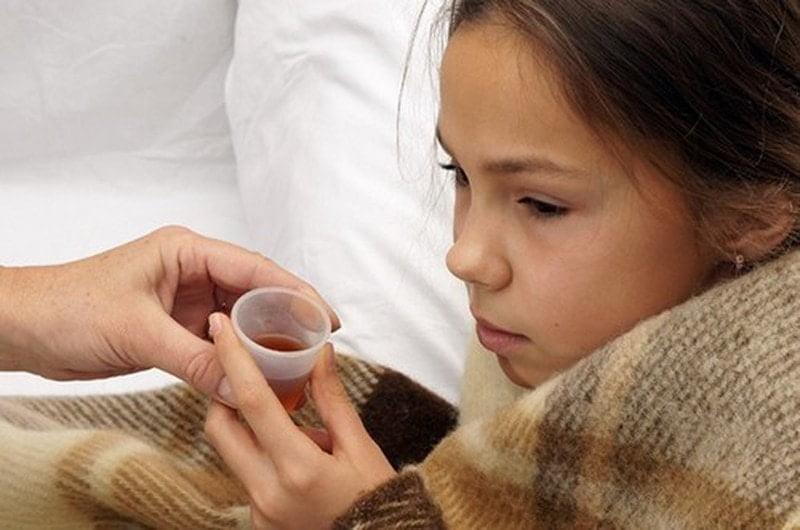 Bổ sung vi chất qua đường uống cho con