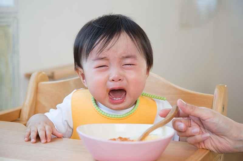 Biếng ăn, quấy khóc cảnh báo trẻ thiếu kẽm