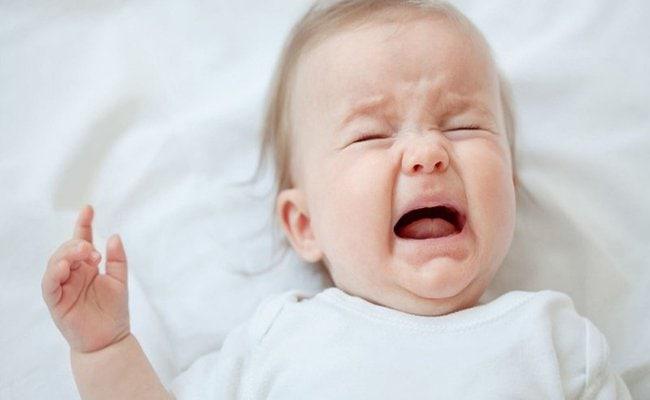 Trẻ thiếu sắt thường mệt mỏi, quấy khóc