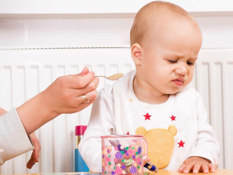 Bé biếng ăn, suy dinh dưỡng cần được tăng cường kẽm
