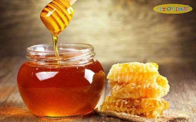 Mật ong có tác dụng kháng viêm, giúp kiểm soát viêm phổi hiệu quả