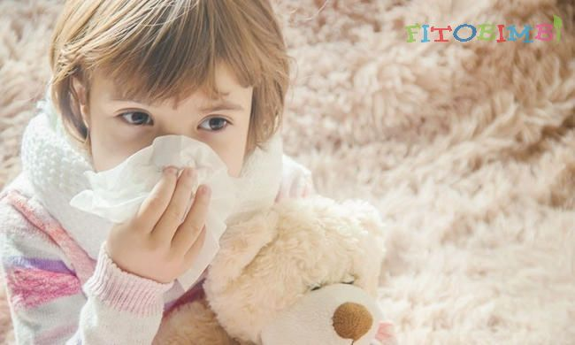 Mẹ phải làm sao khi trẻ bị ho dị ứng thời tiết kéo dài?