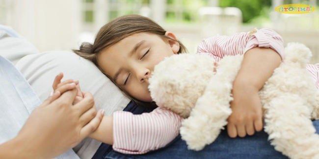 Trẻ bị viêm phế quản do virus không được dùng thuốc kháng sinh