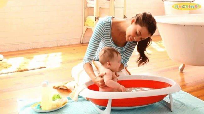 Trẻ bị viêm phổi có được tắm không? Hướng dẫn cách tắm cho bé an toàn